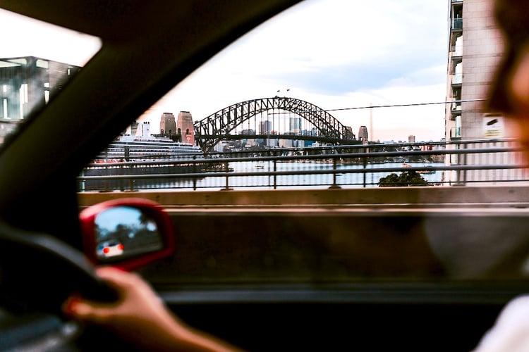 sonder-blog-driving-safely-in-australia-hero-image-sydney
